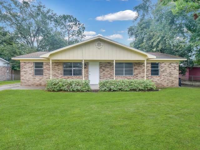 241 Deerwood Drive, Hinesville, GA 31313 (MLS #139898) :: Coldwell Banker Southern Coast