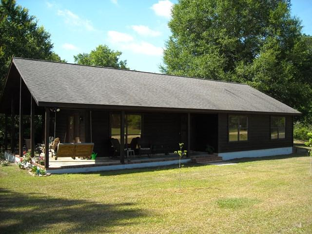 101 Oak Tree Circle, Glennville, GA 30427 (MLS #123500) :: Coldwell Banker Holtzman, Realtors