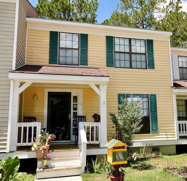 912 Pineland Avenue, Hinesville, GA 31313 (MLS #123628) :: The Arlow Real Estate Group