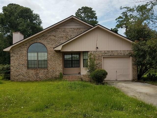 937 Highland Drive, Hinesville, GA 31313 (MLS #123654) :: The Arlow Real Estate Group