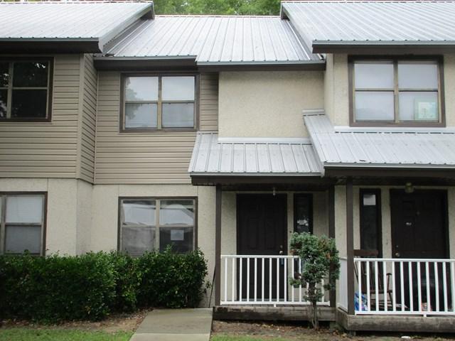 601 Tupelo Drive, Hinesville, GA 31313 (MLS #123710) :: Coldwell Banker Holtzman, Realtors