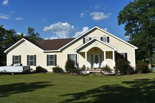709& 717 Highway 144 East, Glennville, GA 30427 (MLS #123854) :: Coldwell Banker Holtzman, Realtors