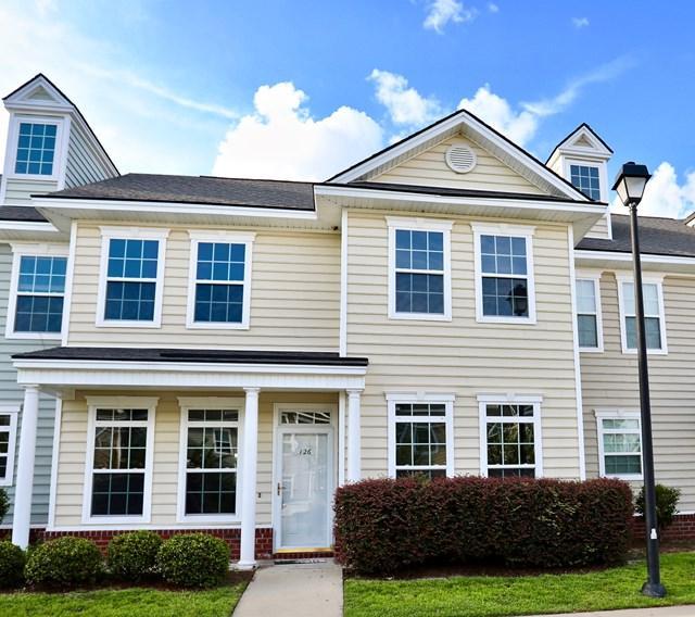126 Governors Boulevard, Hinesville, GA 31313 (MLS #124375) :: Coldwell Banker Holtzman, Realtors