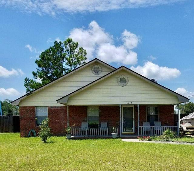 1212 Knotts Drive, Hinesville, GA 31313 (MLS #124428) :: The Arlow Real Estate Group