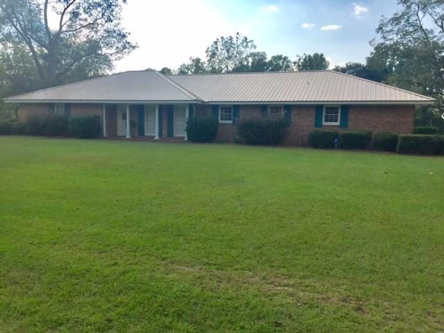 108 Oakdale Drive, Glennville, GA 30427 (MLS #124769) :: Coldwell Banker Holtzman, Realtors