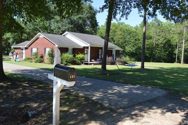 131 Oak Circle, Glennville, GA 30427 (MLS #125468) :: Coldwell Banker Holtzman, Realtors