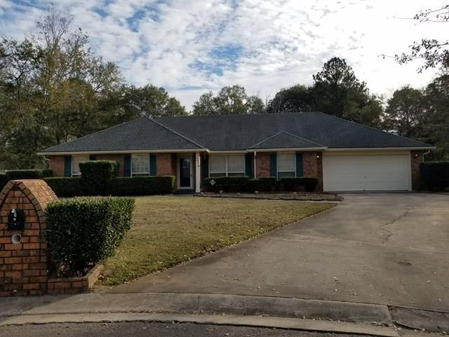 557 Brockington Circle, Hinesville, GA 31313 (MLS #125722) :: Coldwell Banker Holtzman, Realtors
