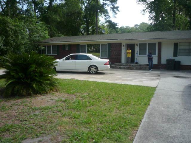 102 Fraser Drive, Hinesville, GA 31313 (MLS #125725) :: Coldwell Banker Holtzman, Realtors
