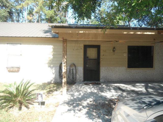 706 Thornwood Way, Hinesville, GA 31313 (MLS #125727) :: Coldwell Banker Holtzman, Realtors