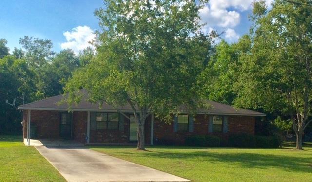 712 Christy Street, Glennville, GA 30427 (MLS #131856) :: Coldwell Banker Holtzman, Realtors