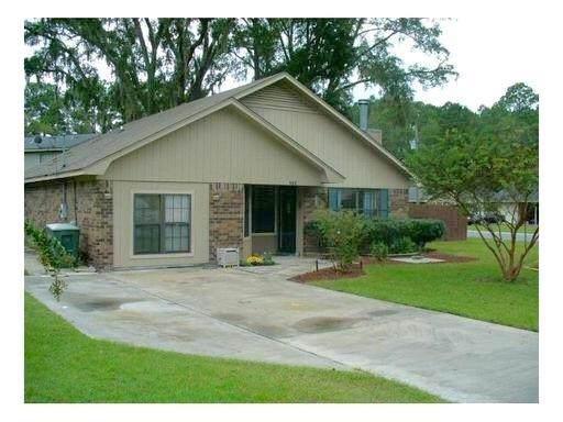 908 Brockton Drive, Hinesville, GA 31313 (MLS #133176) :: Coldwell Banker Holtzman, Realtors