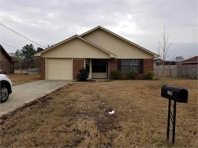 962 Birchfield Drive, Hinesville, GA 31313 (MLS #135135) :: Coldwell Banker Southern Coast