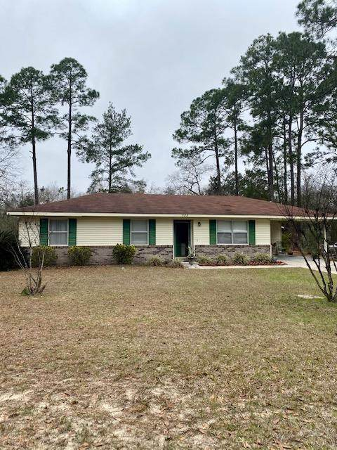 588 Stacey Street, Jesup, GA 31545 (MLS #137898) :: Coldwell Banker Southern Coast