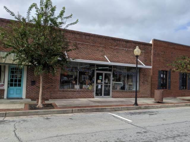 127 South Main Street, Hinesville, GA 31313 (MLS #139000) :: Coldwell Banker Southern Coast
