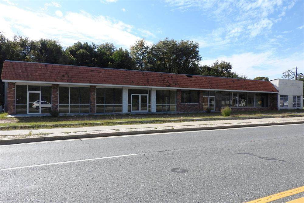 712 Pine Street - Photo 1