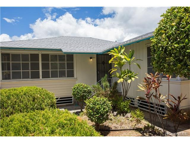 1118 Kamaile Street, Honolulu, HI 96814 (MLS #201718074) :: PEMCO Realty