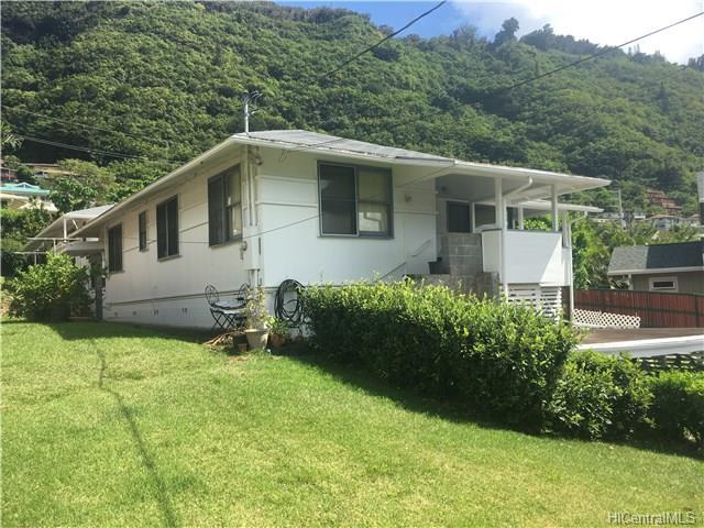 3021 Lono Place, Honolulu, HI 96822 (MLS #201721235) :: The Ihara Team