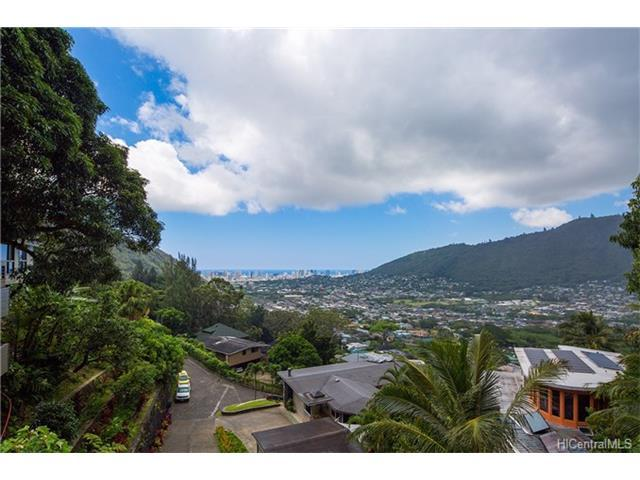 3347A Anoai Place, Honolulu, HI 96822 (MLS #201722012) :: The Ihara Team