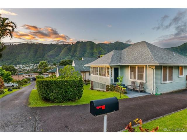 2924 Nanihale Place, Honolulu, HI 96822 (MLS #201722584) :: The Ihara Team