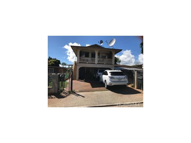 94-877 Lumiiki Street, Waipahu, HI 96797 (MLS #201724009) :: Team Lally