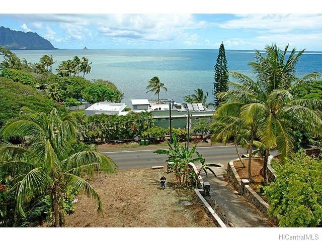47-354 Kamehameha Highway, Kaneohe, HI 96744 (MLS #201724167) :: Team Lally