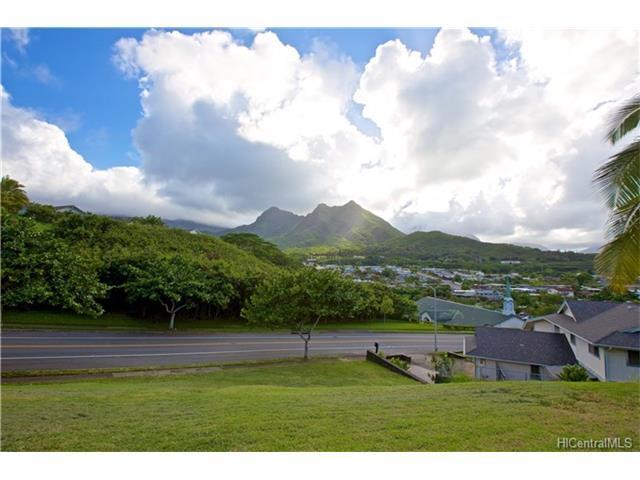 1505 Kanapuu Drive, Kailua, HI 96734 (MLS #201800056) :: The Ihara Team