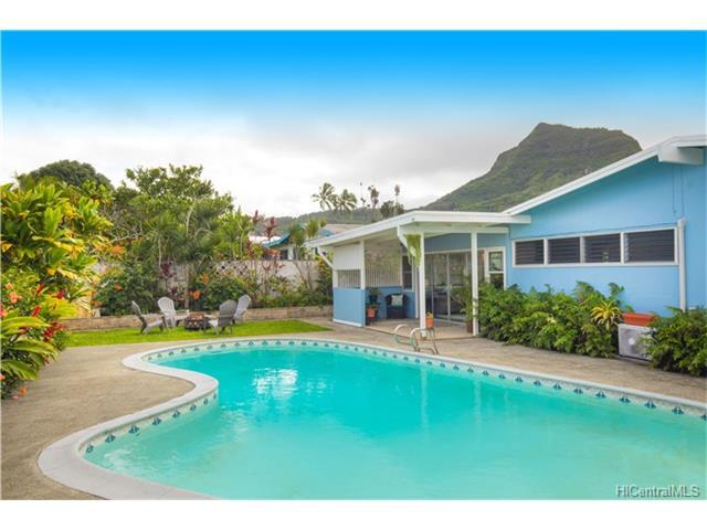 551 Uluhaku Street, Kailua, HI 96734 (MLS #201800326) :: Team Lally