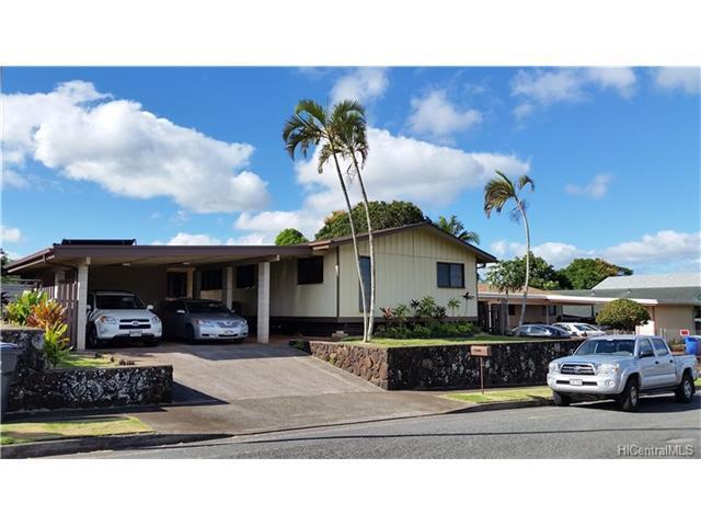 98-1670 Laauhuahua Place, Pearl City, HI 96782 (MLS #201801117) :: Keller Williams Honolulu