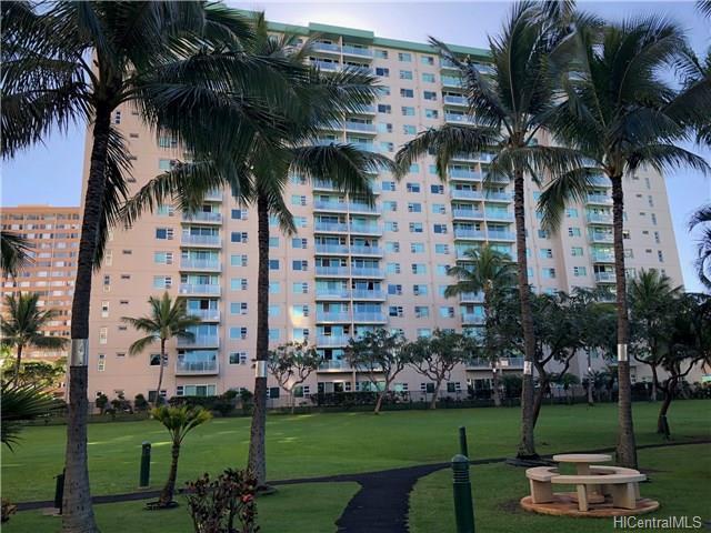 3009 Ala Makahala Place #105, Honolulu, HI 96818 (MLS #201804672) :: The Ihara Team