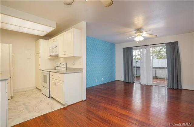 255 Mananai Place 52C, Honolulu, HI 96818 (MLS #201807666) :: Elite Pacific Properties