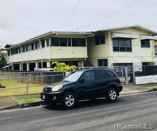 1611 Hauiki Street, Honolulu, HI 96819 (MLS #201810000) :: The Ihara Team