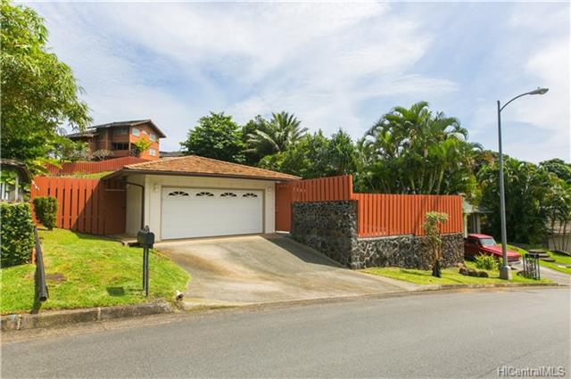 1259 Aloha Oe Drive, Kailua, HI 96734 (MLS #201811633) :: The Ihara Team