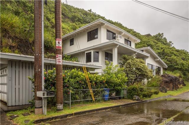 801 Kainoa Place, Honolulu, HI 96821 (MLS #201812263) :: The Ihara Team