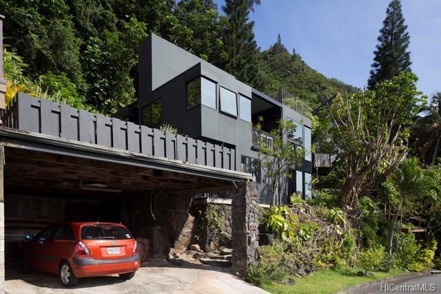 3225 Beaumont Woods Place, Honolulu, HI 96822 (MLS #201814309) :: Elite Pacific Properties
