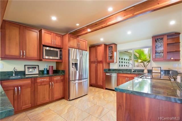 1049 Mokapu Boulevard, Kailua, HI 96734 (MLS #201815596) :: Redmont Living