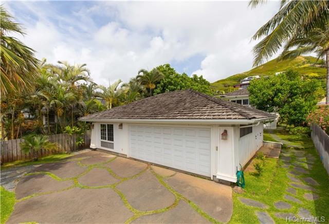 214 Kaelepulu Drive, Kailua, HI 96734 (MLS #201816150) :: The Ihara Team