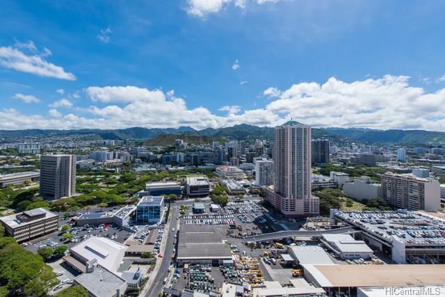 725 Kapiolani Boulevard #3204, Honolulu, HI 96813 (MLS #201816440) :: Yamashita Team