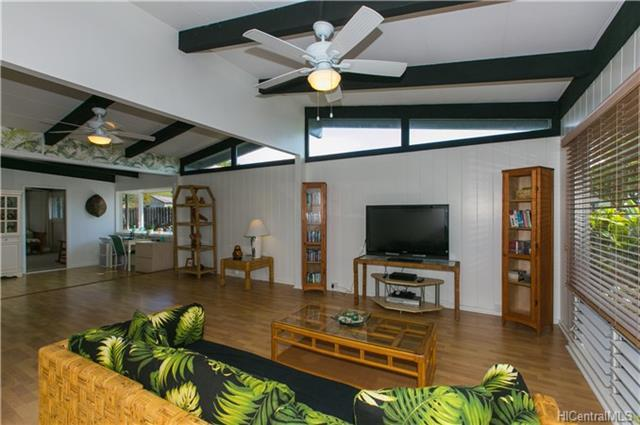 711 Iliaina Street, Kailua, HI 96734 (MLS #201817632) :: The Ihara Team