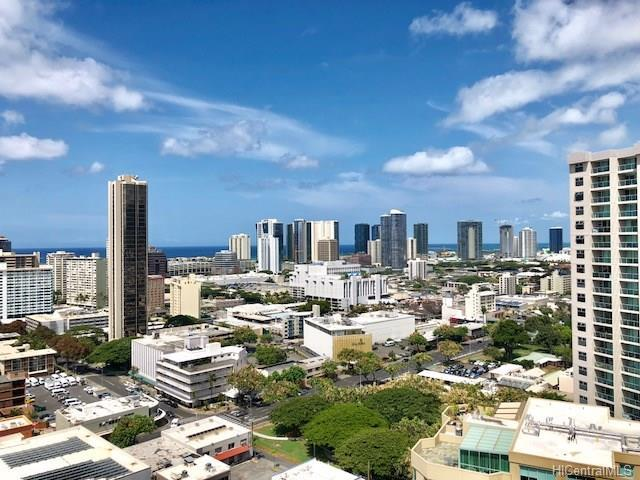 1315 Kalakaua Avenue #2401, Honolulu, HI 96826 (MLS #201820465) :: Team Lally