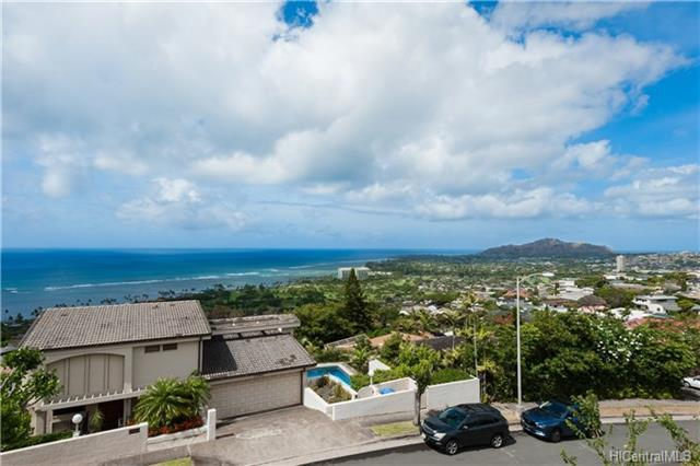 1550 Hoaaina Street, Honolulu, HI 96821 (MLS #201822290) :: Hawaii Real Estate Properties.com