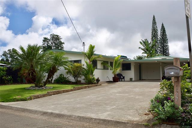 1537 Ulupii Street, Kailua, HI 96734 (MLS #201822492) :: The Ihara Team