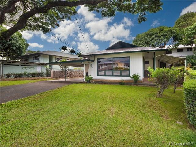 2525 Alaula Way, Honolulu, HI 96822 (MLS #201824060) :: The Ihara Team