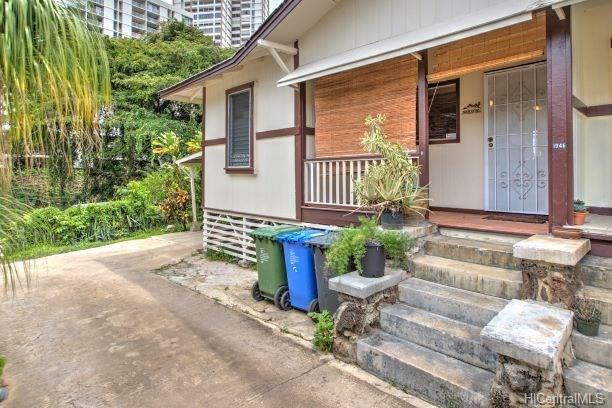 1946 Pauoa Road D, Honolulu, HI 96813 (MLS #201824502) :: The Ihara Team
