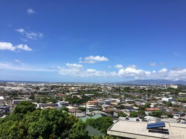 1740 Skyline Drive, Honolulu, HI 96817 (MLS #201826746) :: The Ihara Team