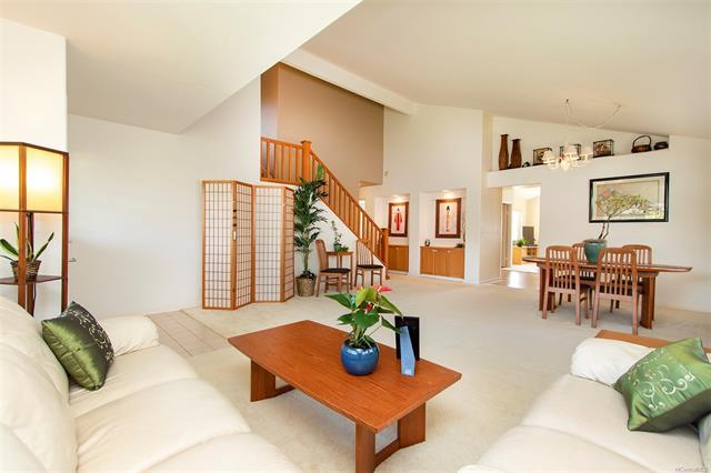 95-1033 Kuhea Street, Mililani, HI 96789 (MLS #201827649) :: Team Lally