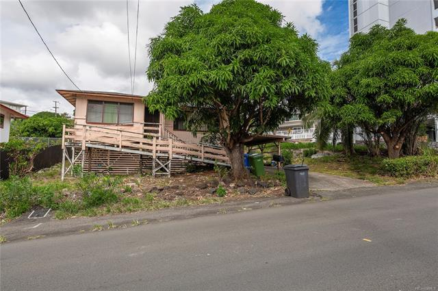 1936 Houghtailing Street, Honolulu, HI 96817 (MLS #201828700) :: The Ihara Team