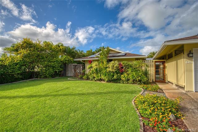 641 Auwina Street, Kailua, HI 96734 (MLS #201830684) :: The Ihara Team