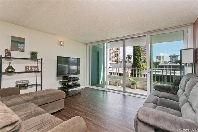 1130 Wilder Avenue #201, Honolulu, HI 96822 (MLS #201831359) :: Team Lally