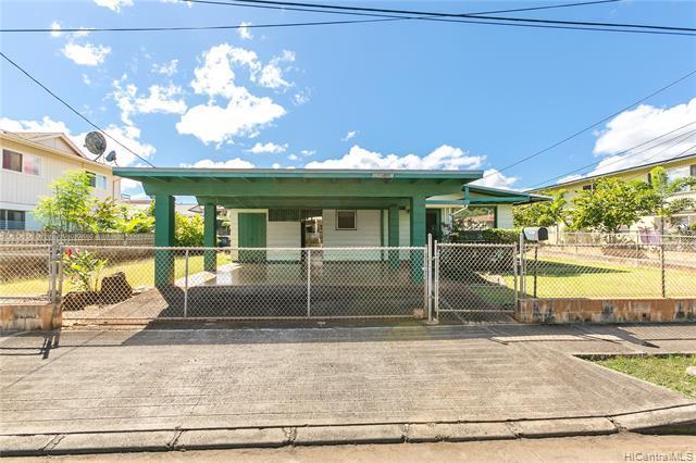 94-306 Hilihua Way, Waipahu, HI 96797 (MLS #201900254) :: The Ihara Team