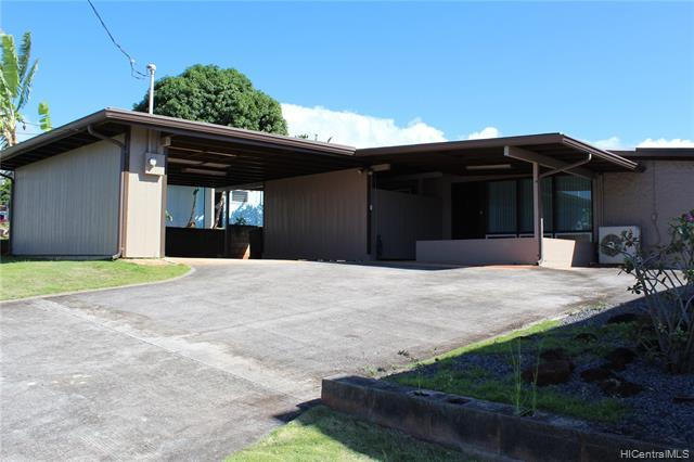 1581 Hoomoana Place, Pearl City, HI 96782 (MLS #201900418) :: The Ihara Team